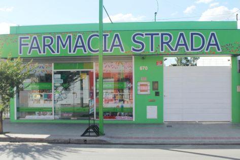 Frente de la Farmacia Strada