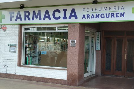 Frente de la Farmacia Aranguren
