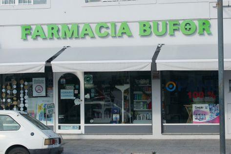 Frente de la Farmacia Bufor