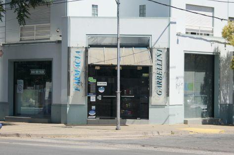 Frente de la Farmacia Garbellini
