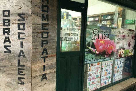 Frente de la Farmacia Suiza