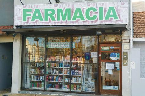 Frente de la Farmacia Raggio